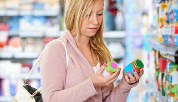 Frau beim Einkaufen © Tyler Olson, fotolia.com