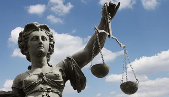 Statue mit Waage der Justitia. © liveostockimages, Fotolia