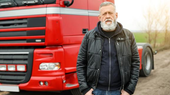 LKW-Fahrer © New Africa, stock.adobe.com
